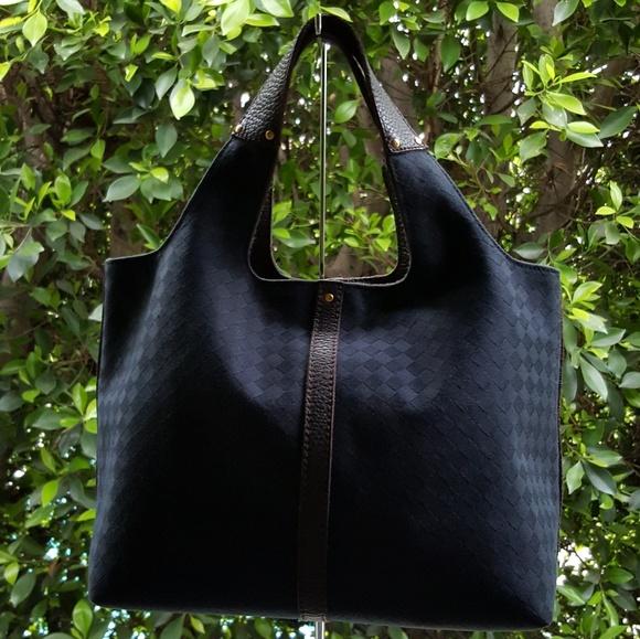 f5cbdcf67b Bottega Veneta Handbags - Bottega Veneta Intrecciato Tote